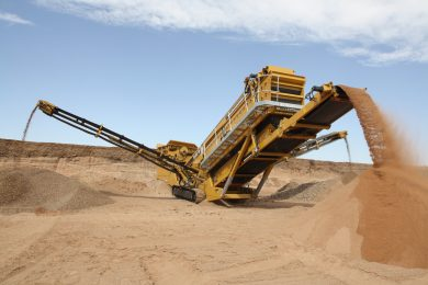 IROCK adds rinser to its tracked portable screening plant