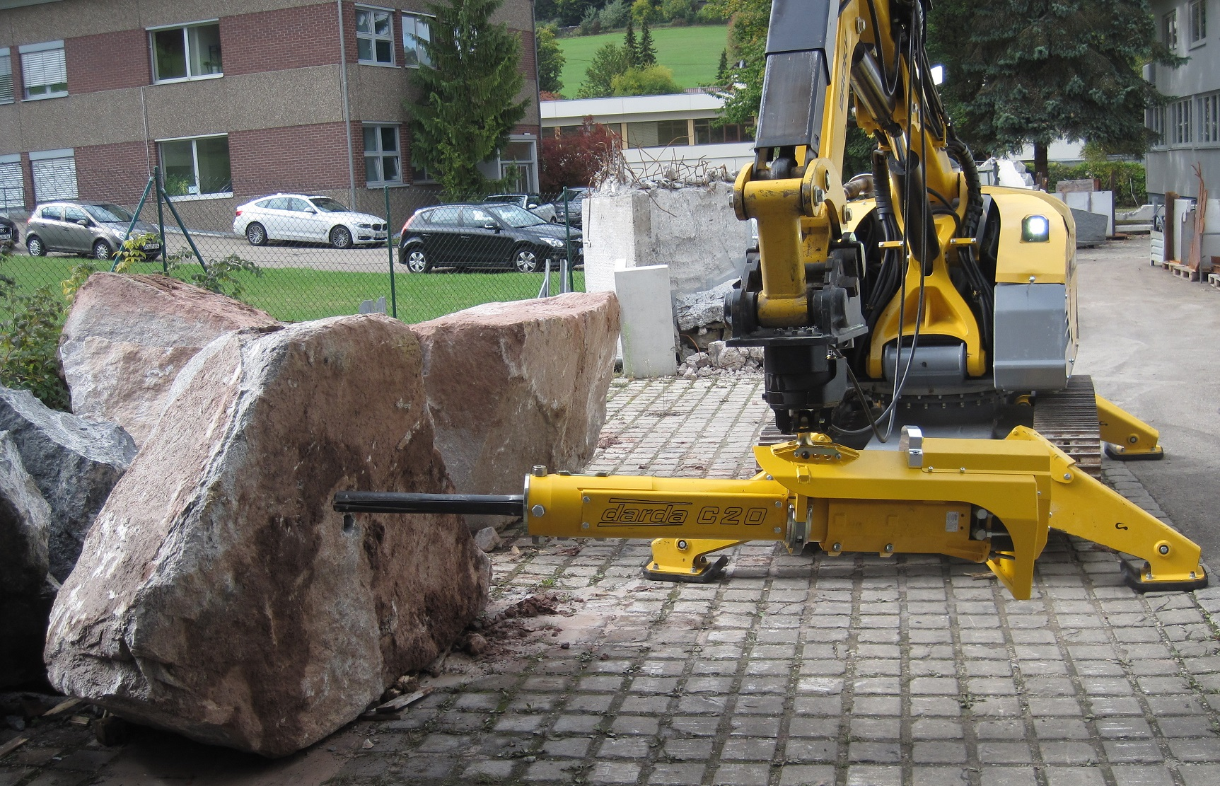 Brokk S New Rock Splitter Cited As A Safer And Quieter