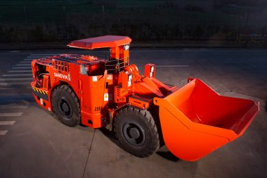 Sandvik LH202 improves narrow-vein loading safety and productivity