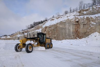 MacLean repowering graders for UG with mine-proven battery propulsion technology