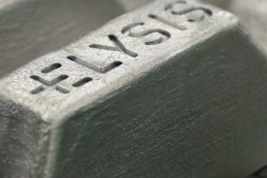 World's first carbon-free aluminium smelting process