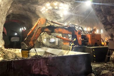 RCT collaborates with Russian Cat dealer on rockbreaker project