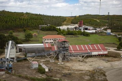 Rafaella considers processing options after positive TOMRA XRT ore sorting tests