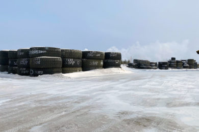 Kal Tire Mining Tire Group manages recycling of 501 large mining tyres for Imperial Oil Kearl