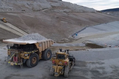 Kinross pours gold at Barnes Creek Heap Leach in Alaska; and completes Cat 7495 build at Paracatu in Brazil