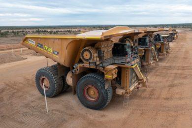 Bravus to employ SMW Group Ultrahaul truck trays on Carmichael Cat 796 AC fleet